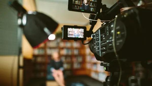 【媒体管家上海软闻】媒体专访有哪些特点和注意事项
